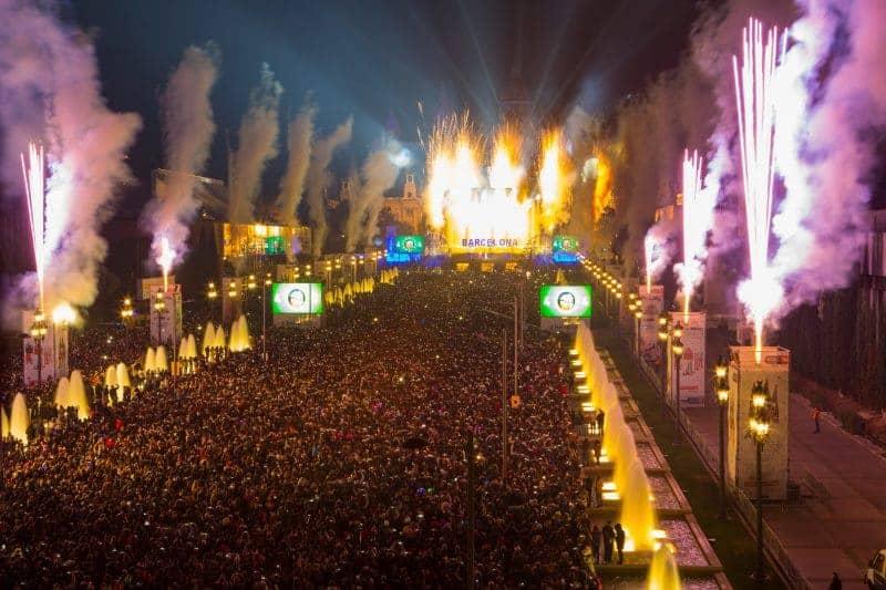 • ACTE DE CELEBRACIÓ DEL CAP D'ANY 2016 A BARCELONA